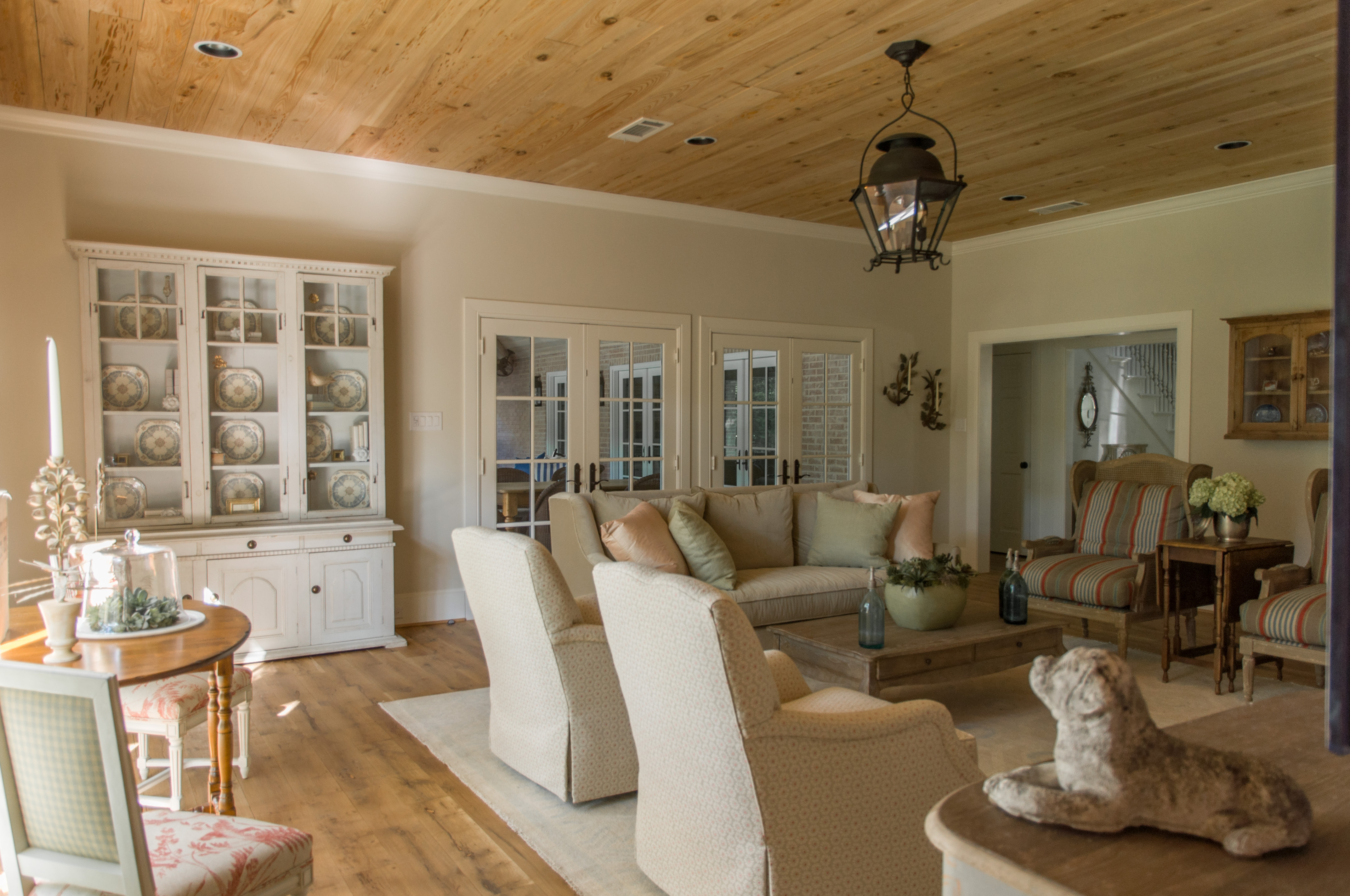 Family Room at Cliffbrook